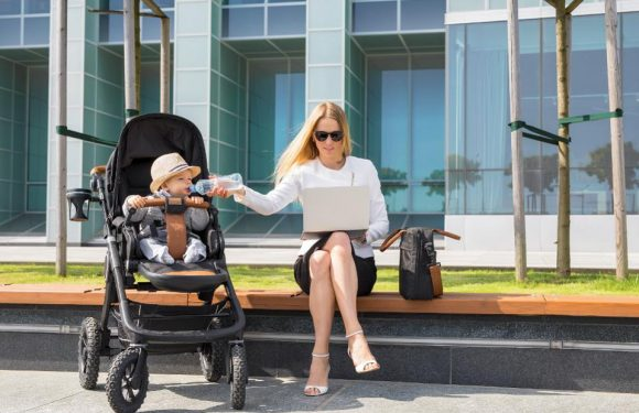 Five Challenges That Millennial Moms Are Facing